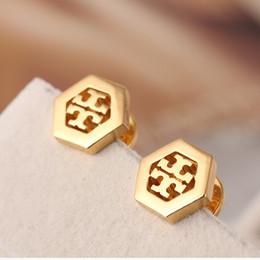 Pendiente para pareja online-Lujos marca titanium studs de acero para las mujeres diseñador hueco marca lujos esmalte letra t señora carta pareja pendiente joyería