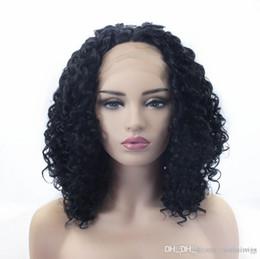 2019 souligner les cheveux bouclés Expédition rapide 14 pouces Afro Kinky Bouclés Perruques Milieu Partie Résistant À La Chaleur Cheveux Noir Souligner Femmes Maquillage Synthétique Dentelle Avant Partie Perruques souligner les cheveux bouclés pas cher