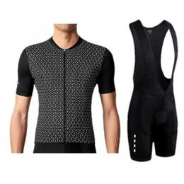 Kits de jersey de ciclismo profissional on-line-La Passione Pro Equipe de Ciclismo dos homens de Verão Conjuntos de Mangas Curtas Bicicleta Conjunto de Roupas Jersey Ropa Ciclismo Bicicleta Kits de Roupas de Vestuário