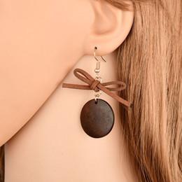 2019 pajarita Pendientes lindos / románticos del Bowknot de la bola Simulado perla Bow Tie Stud Pendiente para las mujeres E2271 pajarita baratos