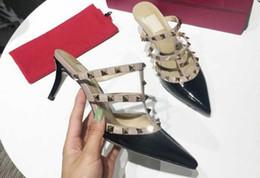 dhl chinelos Desconto 5A 6502170 6.5cm / 9.5cm / Flat Heel Studs Sandália Chinelos Sapatos de bomba, Couro envernizado, tamanho 34-41, DHL Frete grátis