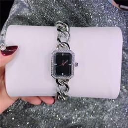 2020 luxusuhren quadratisches gesicht Berühmte designer platz zifferblatt gesicht frau uhr luxus spezielle band edelstahl dame armbanduhr schöne mode kleid uhr großhandel günstig luxusuhren quadratisches gesicht