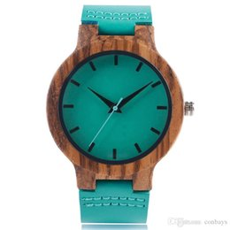 Männer beobachten blaue hände online-Einzigartige blaue handgefertigte Quarz-Uhr aus Holz für Herren stilvolle Armbanduhr mit echtem Lederband hochwertige Holzuhr Geschenk für