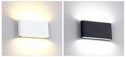2020 arriba abajo de la pared Lámpara de pared al aire libre a prueba de agua Fuente de 12W LED de arriba hacia abajo Iluminación moderna minimalista Interior al aire libre Ingeniería Porche Jardín Luz arriba abajo de la pared baratos