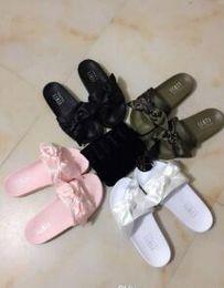 Pele de estrela on-line-Leadcat Fenty Rihanna Sapatos para Mulheres Chinelos Sandálias Indoor Meninas Moda Scuffs Rosa Preto Cinza Fur Slides Sapatos da Estrela das Mulheres