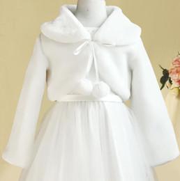 collare del fiore della giacca delle ragazze Sconti 2019 White Winter Jacket Ragazze Kids Capes Warm manica lunga da sposa Fiore ragazza Wrap Jacket da sposa Little Girls Coat Accessori In magazzino
