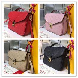 Bolsos de diseño rojo negro online-Diseñador de lujo Pochette Meties bolso asas superiores negro rosa rojo bolso pequeño bolso bolsa de mensajero, M40780 M53339 M41487