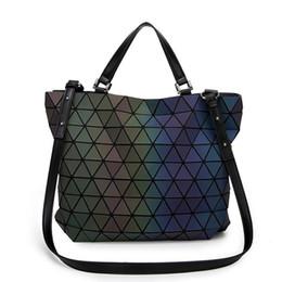 geometrische taschen Rabatt Japan-Art-Laser-Beutel-geometrische Falte über Diamant-leuchtendem Frauen-Marken-Handtaschen-Beutel Bao Bao Issey Sac