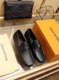 Novos Sapatos De Ervilhas Pretas 2022 Guan Men Vestido Sapatos Botas Mocassins Drivers Fivelas Sneakers Sandálias cheap dress boot men de Fornecedores de homens da bota do vestido
