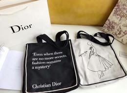 Canada Nouveau sac à bandoulière pour femme. Epaule inclinée tenue dans la main, taille de la mode de luxe est préféré: 35 x 38 cm. Offre
