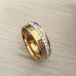 New Luxury large wide 8mm 316 Titanium Aço 18 K banhado a ouro amarelo grega chave anel de casamento diamante banda homens mulheres prata ouro 2 tom de Fornecedores de grandes anéis de diamante prata