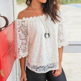 Кружевная блузка онлайн-Женщины Дамы с плеча Кружева с коротким рукавом Лодка шеи рубашка Топы Блузка Женские топы Сорочка Femme @ 30
