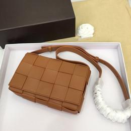 Borse di cuoio tessuto designer online-progettista di lusso della borsa della borsa delle donne del cuoio genuino borse delle donne CASSETTE BV tessono crossbody spalla borse a tracolla
