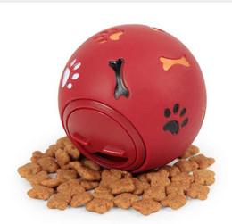 """Голубой корм для собак онлайн-Собака игрушка резиновый мяч жевать диспенсер утечки пищи играть в мяч интерактивные Pet стоматологические прорезывания зубов обучение игрушка синий красный 7,5 см / 2,95"""""""