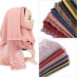 2019 lenços muçulmanos de renda Lenço de algodão hijab cachecol maxi stretchy wraps beads bandhnu xales cachecóis muçulmanos headband envolve lenços islâmicos 10 pçs / lote lenços muçulmanos de renda barato