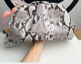 bolsos de cuero de pitón Rebajas envío libre bolso de cuero real bolsa de la nube bolsa de hombro crossbody de 2019 nuevas mujeres del diseñador de la llegada de lujo con el patrón del pitón