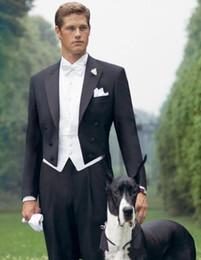 Yeni En Çok Satan Siyah Tailcoat Peak Yaka Damat Smokin Groomsmen Erkekler Düğün Balo Giyim Suits (ceket + pantolon + yelek + kravat) 1413 nereden