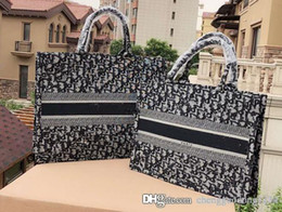 Canada Panier Complet Emballage Broderie Presbyopic Toile Sac À Dos En Cuir Lettre AoTuGan Momie Sac Sacs Designer Marque Nom Femmes cheap backpack brand names Offre