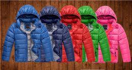 2019 длинные куртки девушки новая модель Новый 2019 дети вышивка логотип бренда вниз хлопок мальчик девочка пальто зима теплая мальчиков одежда для девочек верхняя одежда детская куртка Бесплатная доставка