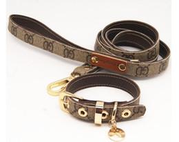 ladegeräte schneiden Rabatt Klassisches Muster Serie Hundehalsband Leder Zugseil Anzug Walking Dog Artefakt CW001