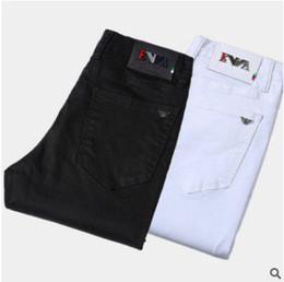 Hot Sale Mens Designer Jeans Slim Fit parches rectos vaquero Famous jeans clásicos pantalones casuales desde fabricantes