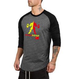 Terno de treinamento de algodão longo on-line-2019New moda Fitness Sports T-shirt dos homens Body-building Colorido Rodada Inferior Manga Terno de Treinamento de Algodão Puro de Fitness Manga Comprida