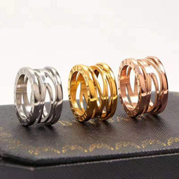 búho bolsas de regalo de navidad Rebajas 2019 anillo de moda estadounidense masculina clásica hueco de acero de titanio, de Europa y joyas de las parejas decorativa