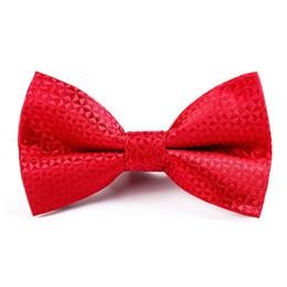 Vestito nero in cravatta nera online-Abito da uomo con cravatta da uomo unico Rosso Nero Blu Nero Farfallino Affari Matrimonio Groomsmen Prom Banchetto Cravatta Papillon Regali per uomo