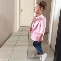 Дети розовые весенние пальто онлайн-2019 Новая весна дети костюмы Куртка для девочек дети повседневная пальто мода розовый девушка блейзеры с карманом Детская одежда