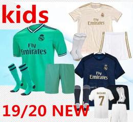Maillot de football du Real Madrid 2019/20 kits HAZARD KIDS avec chaussettes 19/20 maillot de football Asensio MODRIC RAMOS MARCELO BALE Set de football pour enfants ISCO ? partir de fabricateur