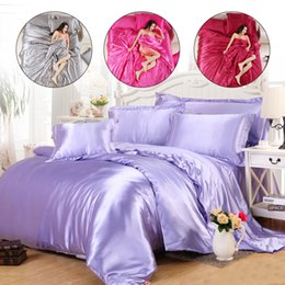 set di biancheria da letto grigio Sconti Federa Set di quattro pezzi Sleep Silk Grey Red Comforterbeddingset Bedding Bed Satin King Beddingsetskingsize Quilt Furniture