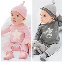 camicia casuale di colore rosa Sconti 2016 New Baby Clothing Set Star Cotton Hat + T shirt + Pants 3 Pz Boy Girls Clothing Set Pink Grey 2 Colour Abbigliamento per bambini