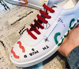 Tela di gomma delle donne online-Scarpe casual da donna Canvas Canvas Scarpe da ginnastica piatte stampate Graffiti Designer Lady Letter Scarpe da ginnastica in pelle geometriche con zeppe EU35-40 wxr3