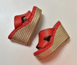 дамские тапочки размер 34 Скидка Размер 34-40 тапочки для дам, роскошные, модные, с толстым дном, соломенная плетение из натуральной кожи, сандалии на подошве 109