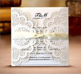 carte creuse laser Promotion Invitations de mariage carte découpée au laser de style européen fleurs creuses papillon fiançailles anniversaire Baby Shower Party cartes d'invitation 12 couleurs