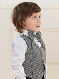 ropa de jardín de infantes Rebajas Conjunto de trajes de chaleco sin mangas para niños encantadores Ropa de rendimiento de jardín de infancia Tres piezas (chaleco + pantalón + camisa) Traje a cuadros para niños