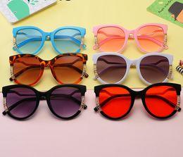 ff669447c5d5f lunettes de soleil de vacances Promotion Enfants lunettes de soleil 2019  nouvelles filles strass creux lunettes
