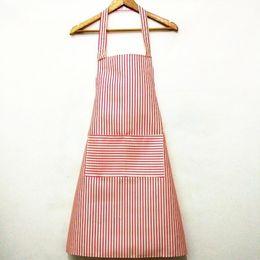 2019 delantal cintura herramienta Coreano Hanging Neck Gown Home Kitchen Simple Fashion Stripe Delantal Cooking Waist Print Bear Apron Home Tools delantal cintura herramienta baratos