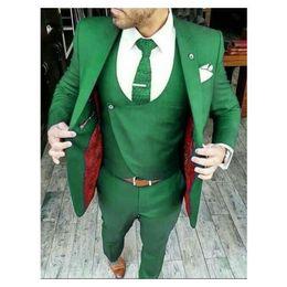 2019 melhor homem casamento terno verde Novo Design Verde Do Noivo Smoking 2019 Melhor Homem Terno Ternos de Casamento Dos Homens Noivo Ternos de Negócios (Jacket + Pants + Tie + Vest) melhor homem casamento terno verde barato