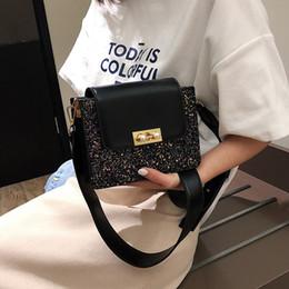 sacos do favor médio Desconto Charismatic2019 New Woman Bag Padrão Moda Mori Packet Concise Coringa Médio, Por Favor Hasp Renovar Ombro Único Pacote Span