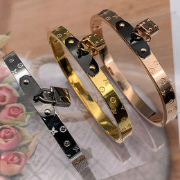 size white gold band Coupons - Brand Bijoux Bangles Rivet 316 L Titanium Stainless Steel lock key love flower Bangles Bracelets Fashion Jewelry For Women and Men size 19cm