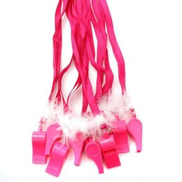 plastikhandklappen Rabatt Rosy Flauschige Feder Pfeife Blasen Fun Pfeife Halskette Noise Maker Hen Party Spielzeug Halloween Party Supplies