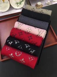 2019 lo scialle di lana di modo di spessore Gli scialli di lana degli uomini e delle donne di promozione di alta qualità adattano scialli caldi della nappa dello scialle e di inverno possono essere all'ingrosso