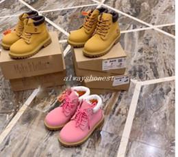 2019 Martin bebé niños jóvenes gato negro rosado zapatos clásicos de cuero de alta calidad de los neumáticos botas de los niños muchacha del muchacho