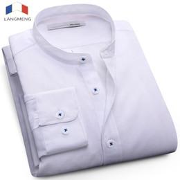 Camisa azul de cuello mandarín online-LANGMENG 2017 hombres más el tamaño 5XL camisa casual para hombre camisas de manga larga de negocios de marca camisa de vestir sólido blanco azul collar mandarín # 388139