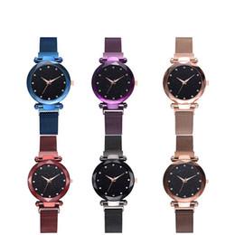 tendência de relógio de pulso Desconto 4 Estilos de Luxo de Quartzo de Aço Inoxidável Banda Magnética Ímã Fivela Céu Estrelado Relógio de Pulso Analógico Para As Mulheres 2019 Tendências Da Moda Vestido Relógios