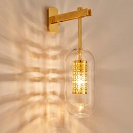 lanterne in vetro di ferro Sconti Lampada da parete in vetro di ferro moderno di lusso moderno luce nordica soggiorno lampada da parete creativa lanterna camera da letto