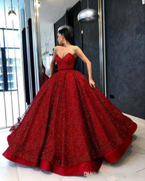gonfio di paillettes abiti da ballo di fine anno Sconti Abiti da ballo con paillettes rossi 2017 Prom Dresses Sweetheart Backless Puffy Skirt Evening Party Skirt Ruffles Satin Celebrity Gowns