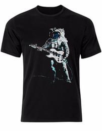 В Луне астронавт электрогитара музыка бить мужская футболка топ AL86 с коротким рукавом плюс размер футболки цвет Джерси печати футболка supplier moon guitar от Поставщики лунная гитара
