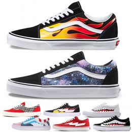 2019 zapatos de skate para hombre azul NUEVO Diseñador Van Old Skool Fear of God Mujer Zapatos de lona para hombre Negro Blanco YACHT CLUB Rojo Azul Zapatillas de skate Zapatos casuales zapatos de skate para hombre azul baratos